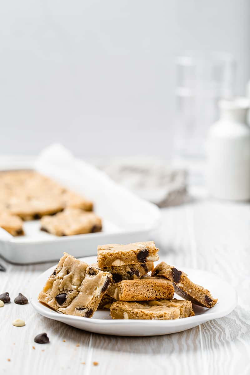chocolate chip blondies on a plate