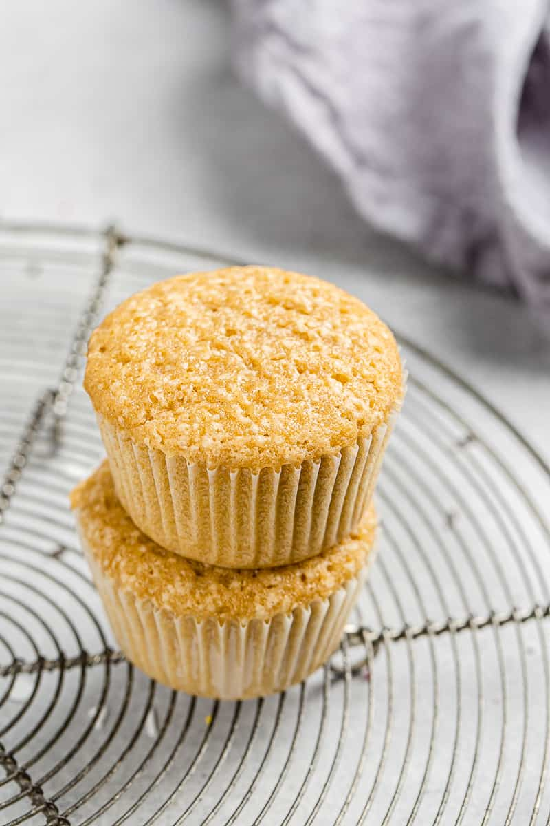 dairy free vanilla cupcakes without frosting